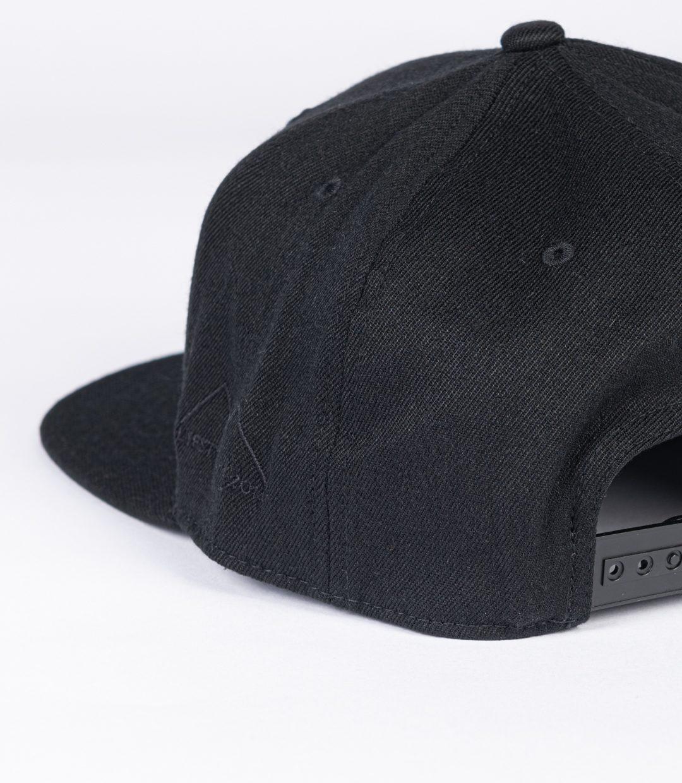 Whatever Man Block all Black Detail02
